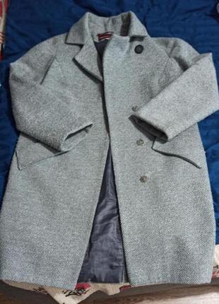 Пальто демисезонные серого цвета