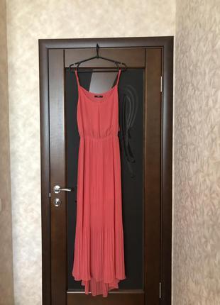 Роскошное вечернее платье макси бренда oasis. новое. кораллово...