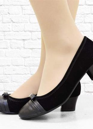 Женские туфли на каблучке. черные.