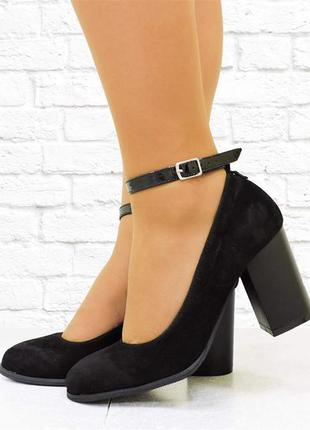 Замшевые туфли с чокером. черные. 25 см.