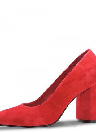 Туфли замшевые на каблуке 8th. красные.