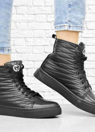 Кожаные зимние ботинки stitch. черные.