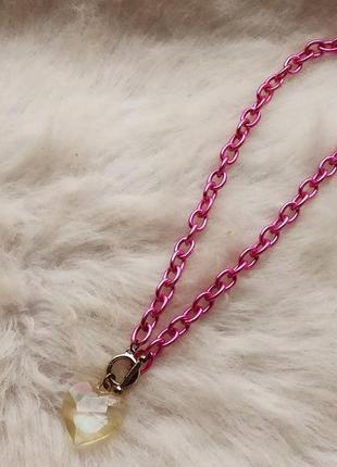 Розовое обьемное большое яркое ожерелье цепочка с кулоном серд...