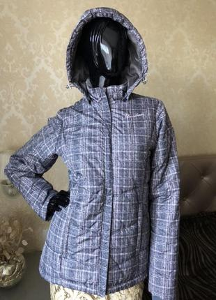 Куртка женская umbro, оригинал, с капюшоном, размер с-м