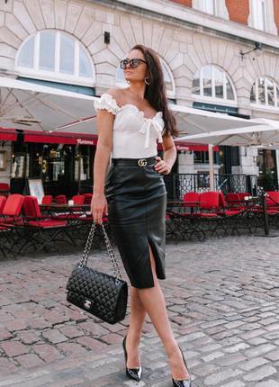 Кожаная юбка карандаш длины миди с разрезом из 100% натурально...