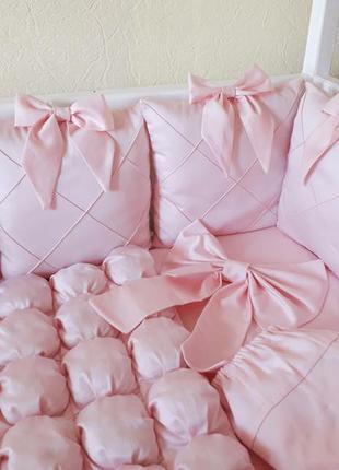 Комплект в детскую кроватку бортики постельное