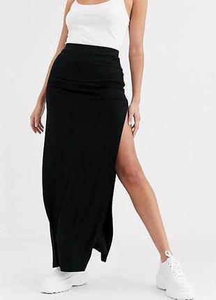Тёплая чёрная юбка с разрезом rebecca fashion collection