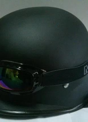 Шлем каска немецкая черная матовая с очками китай