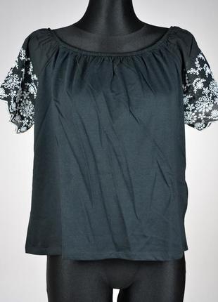 Красива блузка топ з вишивкою h&m