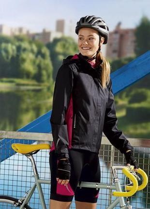 Жіноча вітровочка куртка капюшон водонепроникна фірми crivit