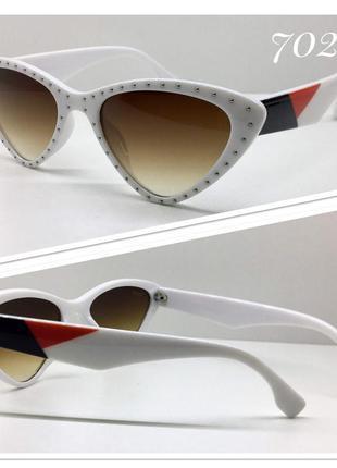 Женские солнцезащитные очки белая оправа