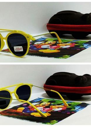 Яркие очки  черные в желтой оправе ( код 3311)