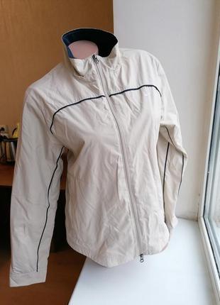 Бежевая ветровка спортивная куртка nike (к077)