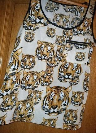 Майка с мордами тигра