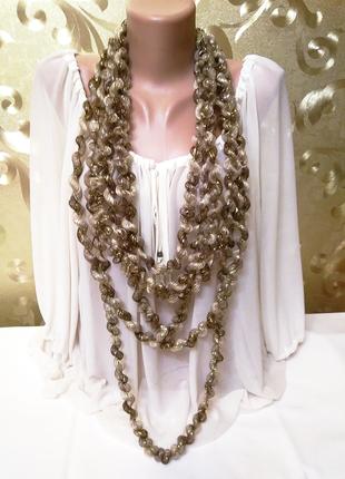Изумительное золотистое текстильное ожерелье ручной работы.