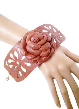 Коричневый кожаный ажурный браслет с кожаным цветком, гибкий ш...