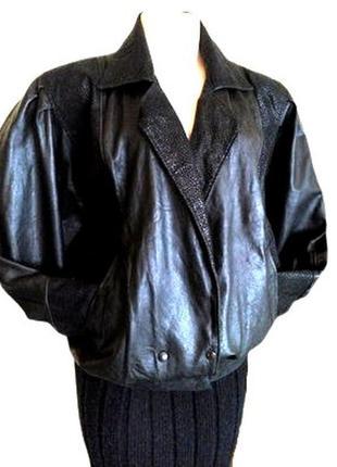 Идеальная черная кожаная женская куртка, полу пальто для пышно...