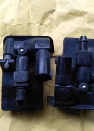 Форсунки омывателя лобового стекла БМВ Е70