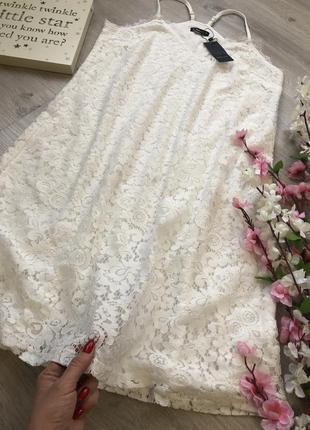 Красивое кружевное платье свободного кроя на бретельках, плать...