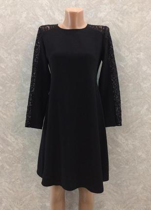 Платье чёрное с гипюровыми вставками на рукавах