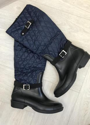Резиновые сапоги , ботинки