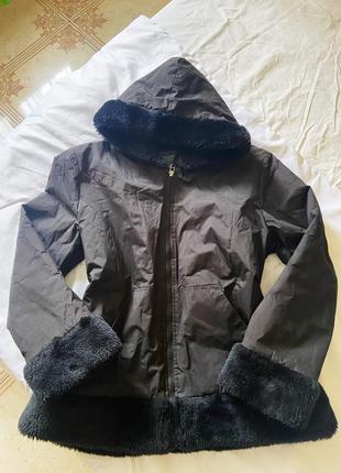 Куртка с искусственным мехом, с меховыми рукавами
