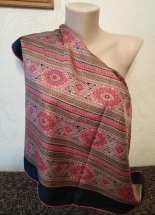 Натуральный шелк, платочек с орнаментом, 67*65