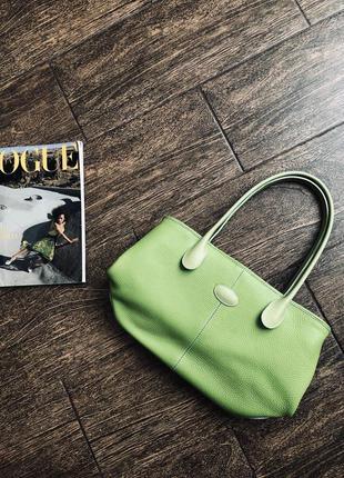 Очень красивая и стильная кожаная сумка от tod's