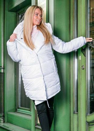 Зимняя куртка стеганая белая