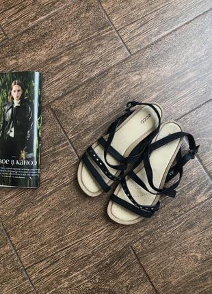 Кожаные удобные сандали большого размера