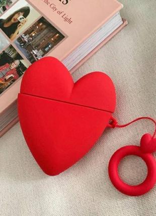 Чехол футляр для наушников Apple AirPods Сердце красное + брелок