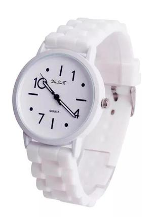 Стильные женские часы силиконовый ремешок день святого валентина