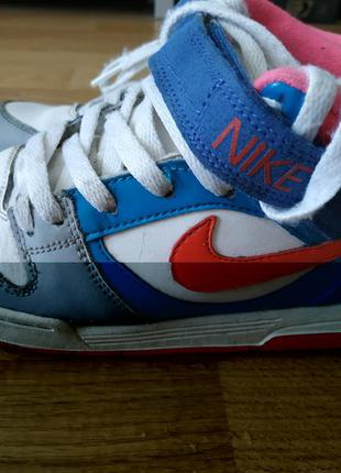 Кросівки nike для дівчинки