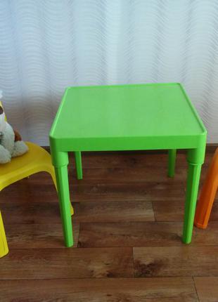Комплект мебели (столик и 2стульчика),пластик,Украина