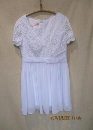 Шикарное белоснежное платье с кружевным топом и шифоновой юбко...