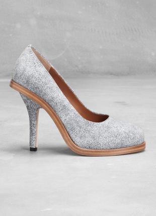 Супер красивые новые кожаные туфли на праздник/выпускной