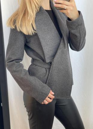 Сіре тепле шерстяне жіноче пальто