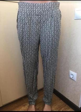 Летние брюки с карманами