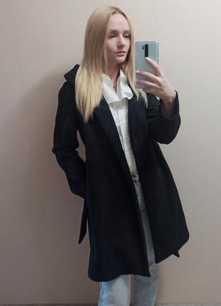 Чёрное осеннее пальто zara