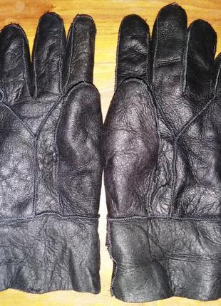 Перчатки на меху из дубленой кожи