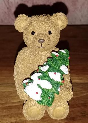 Статуэтка мишка с елкой, англия, в коллекцию