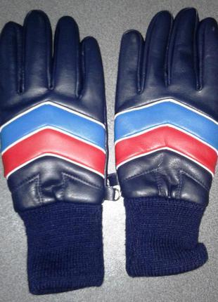 Спортивные перчатки,