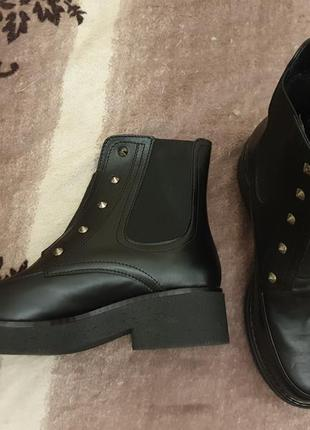 Женские демисезонные кожаные ботинки на резинке 37 р.