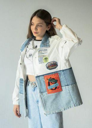🔥 джинсовка , джинсовая куртка с нашивками бело голубая