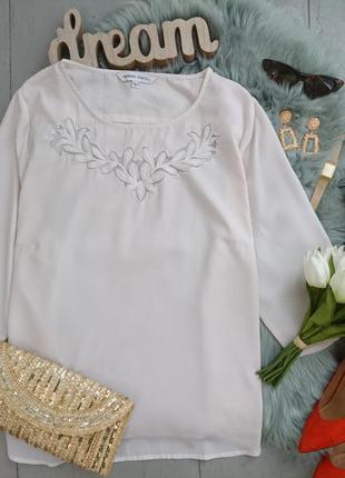 Актуальная блуза с декором на груди свободный крой №25max