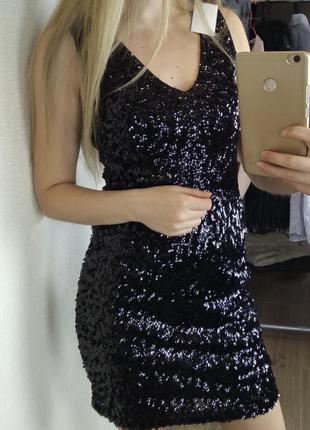 Платье черное в пайетки нарядное красивое