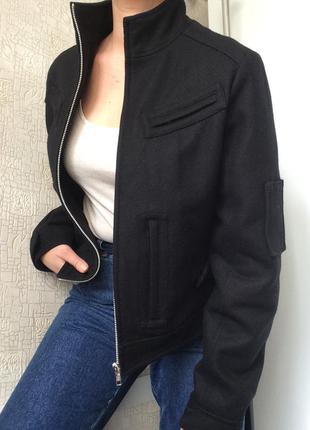 Черная демисезонная шерстяная/с шерстью куртка yes or no