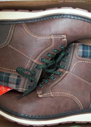 Влагостойкие теплые мужские ботинки фирмы redmont