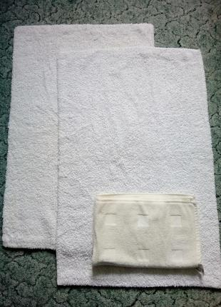Набор ковриков+ полотенце для ванной комнаты