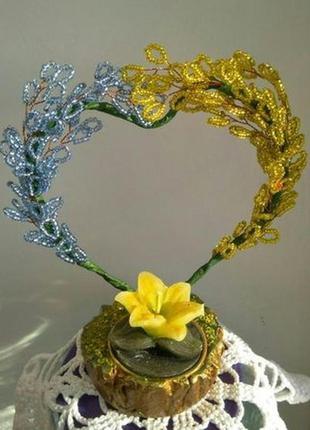 Подарок на 8 марта сердце из бисера с свечкой